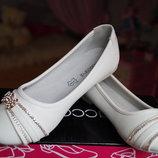 Туфли для девочки белые новые нарядные р. 31, 32, 34, 35