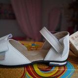 Босоножки туфли кожаные для девочки, новые, белые Тм Берегиня 26,27,28,29