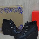 Женские демисезонные ботинки Турция