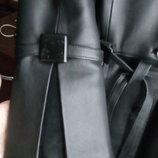 пальто кожаное с чернобуркой от Валентино, размер С, или небольшая М