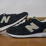 Замшевые кроссовки New Balance.