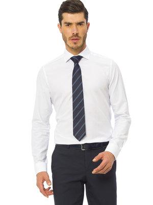 белая мужская рубашка LC Waikiki в белую точечку