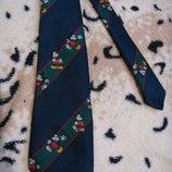 Стильный галстк с микки от disney