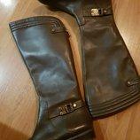 Фирменные кожаные сапоги Anne Klein