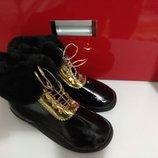 Черные лаковые ботинки на меху