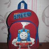 Яркий детский рюкзак паровозик Томас