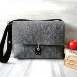 Сумка портфель из войлока, стильная, тёплая, застёжка - карабин