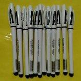 Ручки Buromax . Толщина линии 0,5 мм. Цвет черный.