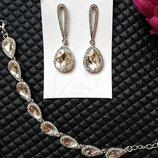 Очень нежный комплект цвет серебро серьги и браслет