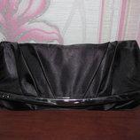 Черный атласный клатч Bonprix