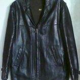 винтажная черная кожаная куртка 48-50