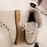 Зимние ботинки на шнуровке . Цвет- серо-бежевый