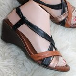 39 разм. Красивые босоножки Esteve shoe collection. Made in Spain. Кожа снаружи и внутри. длина по