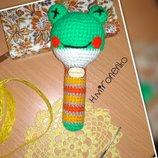 Вязаная игрушка погремушка Лягушка, ручная работа,амигуруми, развивающая игрушка малышу