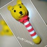 Вязаная игрушка погремушка Мишка Винни, ручная работа, амигуруми, подарок малышу