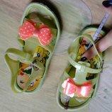Пляжные босоножки. Летняя обувь. Срочно. 17.5 см. И 18.5 см.