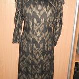 Стильное платье из плотной ткани