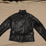 Великолепная короткая черная кожаная байкерская куртка Orina Германия 40 р.
