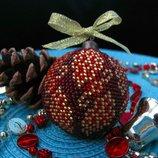 Елочный шарик из бисера, ручная работа