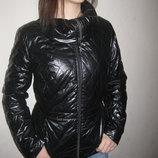 размер S, очень красивая деми куртка SELA, состояние