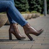 Ботинки на каблуке кожаные на байке