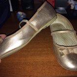 Красивые и удобные туфли 32 размера