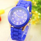 Женские часы Geneva с силиконовым ремешком синего цвета
