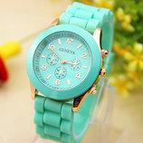 Женские часы Geneva с силиконовым ремешком мятного цвета