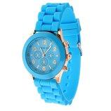 Женские часы Geneva с силиконовым ремешком голубого цвета