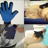 Перчатка для вычесывания шерсти домашних животных True Touch щётка