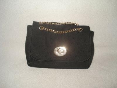 af8ac4ebaa10 Новая фирменная небольшая черная сумочка на цепочке: 349 грн ...