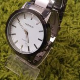 Мужские часы на браслете-разные модели