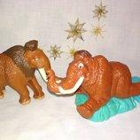 Цена за 2.коллекционная игрушка слон ледниковый период McDonalds Игрушка Хеппи мил, макдональдс