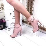 Ботинки пудра