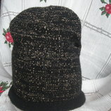 Супер шапка next ,53см.переплет черной и золотистой нитей.