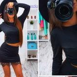 Костюм юбка мини с кружевом топ с длинным рукавом