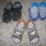 кроссовки и босоножки