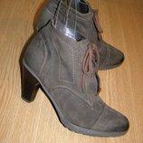 рр 38-24,5 см стильные ботинки Roberto Santi нубуковая кожа