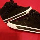 Фирменные кроссовки Adidas