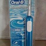 Зубная щетка Oral-B, Advance Power 900. Германия. Новая.