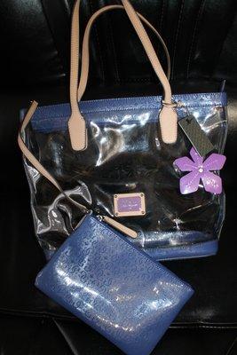 d08a8a8bab80 Очень красивая сумка Guess, новая с бирками Сумка - стильный аксессуар,  который подчеркнет Вашу
