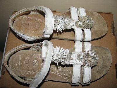 Босоніжки сандалі шкіряні ортопедичні брендові CLARKS active AIR Оригінал Німеччина р.32 ст. 20,5 см