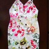 яркое, летнее платье на тонких бретелях