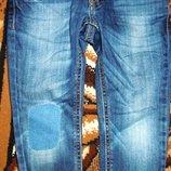 с нашивками и потертостями Benetton jeans 3-4 100 рост