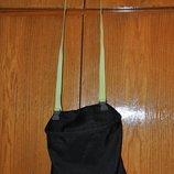 Фирменная сумочка через плечо для планшете ноутбука или физ формы в школу