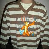 Продаю свитер Disney , 6 лет.
