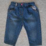 Джинсовые брючки M&S на малышку 9-12 месяцев в идеальном состоянии