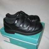 Туфли Clarks Англия 34 размер по стельке 22 см. Кожаные .В идеальном состоянии. Легенькие , дышащие,