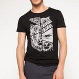 футболка мужская черная DeFacto с рисунком и надписью Bring voice на груди