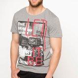 футболка мужская серая DeFacto с рисунком и надписью Let it be на груди